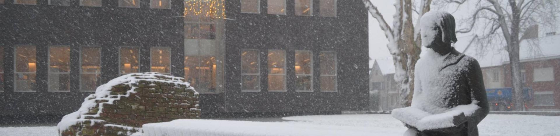 Diederik in de sneeuw