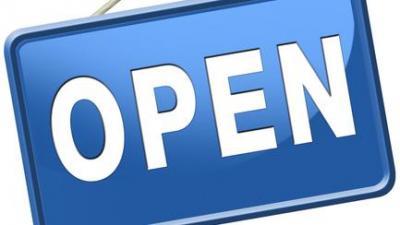 Gemeente en OCMW breiden openingsuren uit - Openingsbordje.