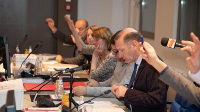 Opnieuw publiek toegelaten tijdens gemeenteraad in gemeenschapscentrum 'de Bijenkorf' - Gemeenteraad