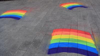 Assenede kleurt regenboog -