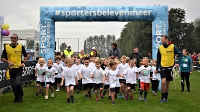 Scholenveldloop in de Beekstraat in Bassevelde -