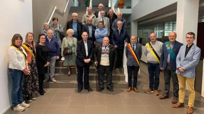 Asseneedse 80-jarigen ontvangen op het gemeentehuis -